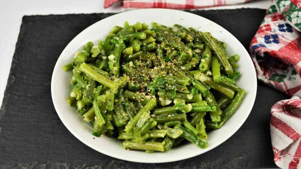 Green Bean Salad with Garlic Cream