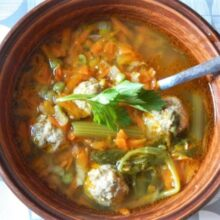 Pork meatball with vegetable soup