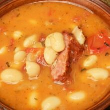 White beans soup with smoked ribs