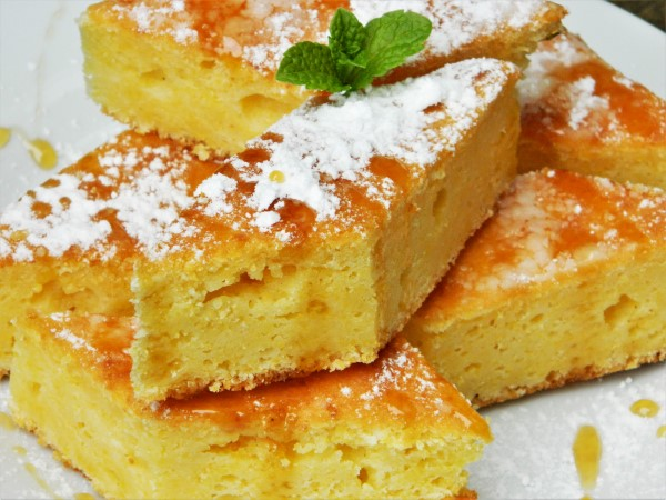 Best Sweet Cornbread Recipe in a World-Served on Plate With Honey