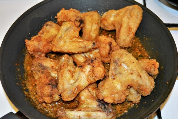 Honey and Garlic Chicken Wings Recipe-Add Fried Chicken Wings in the Pan