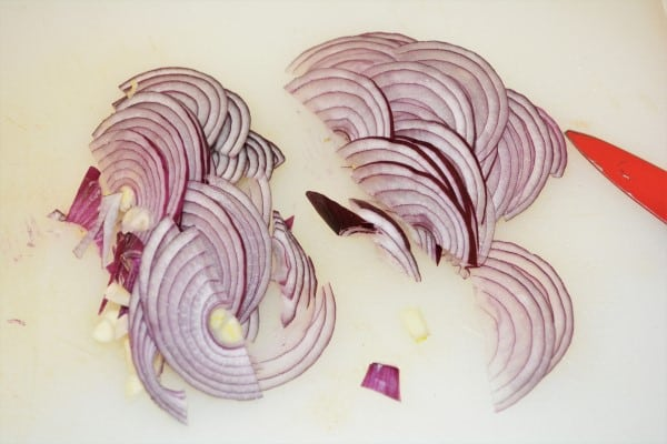 Grilled Apricot Salad Recipe-Thinly Sliced Onion