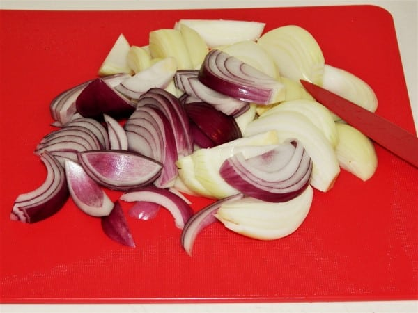 Sauteed Chicken Livers with Onion - Sliced Onions