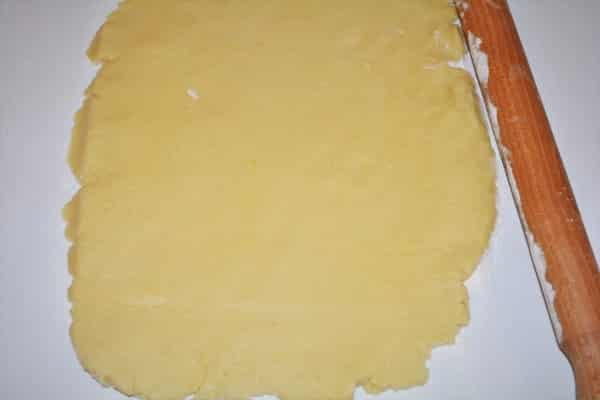 Traditional Baked Cheesecake Recipe-Dough Spread With the Rolling Pin