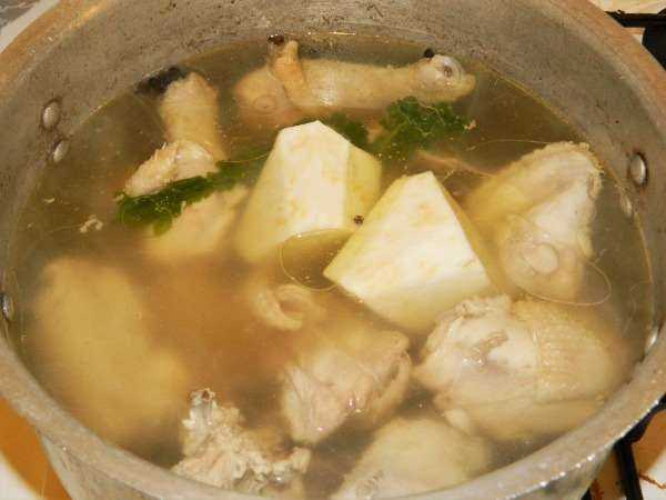 Greek Lemon Chicken Soup Recipe-Boiling Chicken With Celery Root
