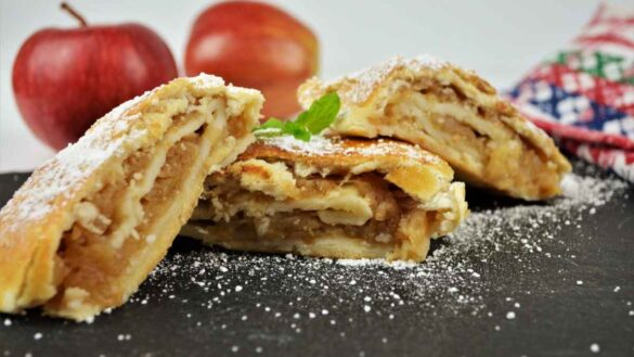 Apple Shortcrust Pastry Recipe-Served on the Platter With Icing Sugar