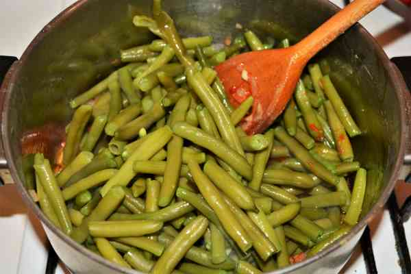Green Beans in Tomato Sauce-Boiled Green Beans on Sauteed Onion