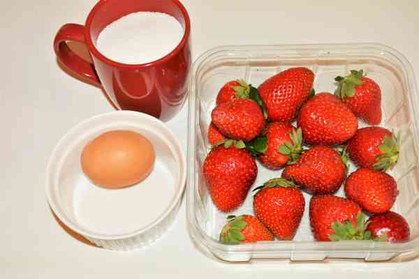 Strawberry Mousse Recipe Without Gelatin-Sugar, Egg and Strawberry